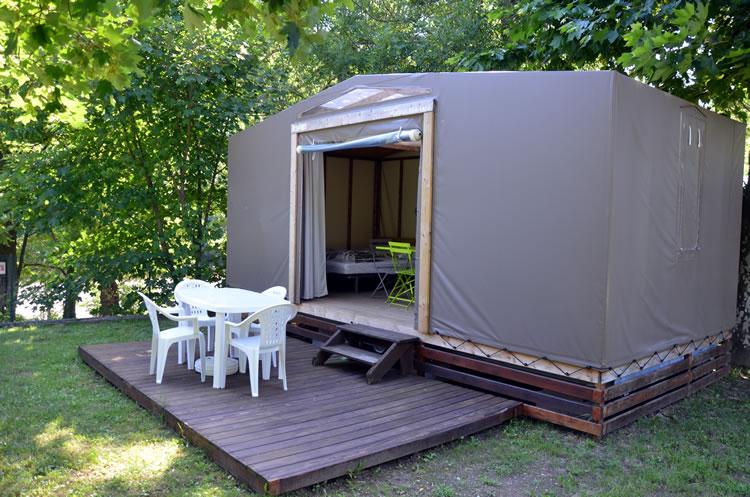 Camping ardeche tente aménagée